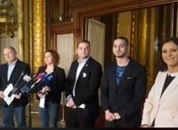 400-600 ezer forintra büntette Kövér az akciózó ellenzékieket