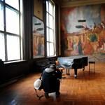 Megnéztük, milyen a százéves, lepusztult Erkel Színház - fotók
