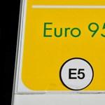 Hat forinttal csökken a benzinár