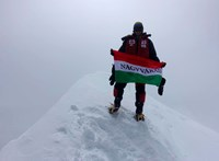 Varga Csaba felért a 8080 méteres Hidden Peak csúcsára