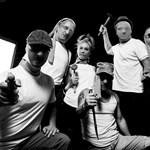 """Több mint 20 év szünet és némi kalandok után jön a """"zsiráfos"""" zenekar új lemeze"""