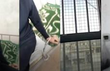 Kikerült a BBC-hez egy videó arról, hogyan raboskodik egy ujgur férfimodell a lágerben