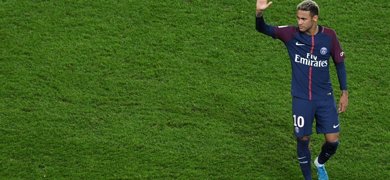 Neymar havi 120 millió forintot kap, csak hogy tapsoltassa a közönséget