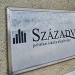 Pert nyert a hvg.hu: Ki kell adni a 2015–18 között készült Századvég-tanulmányokat