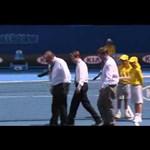 Videó: furcsa pályahiba miatt állt a játék az Australian Openen