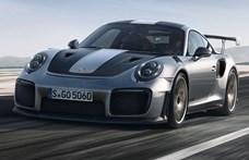 """Levelet írt a Porsche: """"Sajnálatos módon a szupersportkocsiját szállítás közben elnyelte az Atlanti-óceán"""""""