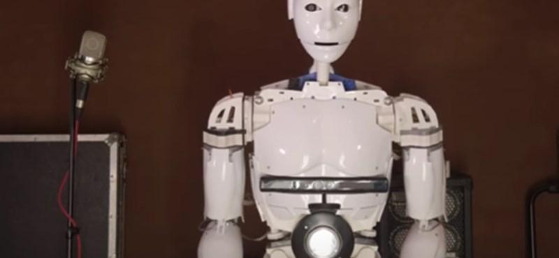Robot tagja is van Bosznia-Hercegovina legnépszerűbb rockegyüttesének