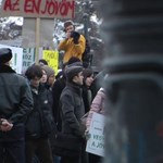 Inkognitóban támogatta a diáktüntetést az LMP - videó