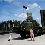 Oroszország fegyverrel látná el az egész világot