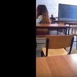 Még nem büntetik meg a diákokat, akik lefilmezték a vélhetően maszturbáló tanárt