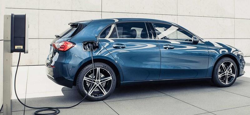 Megérkezett a plugin hibrid Mercedes A-osztály