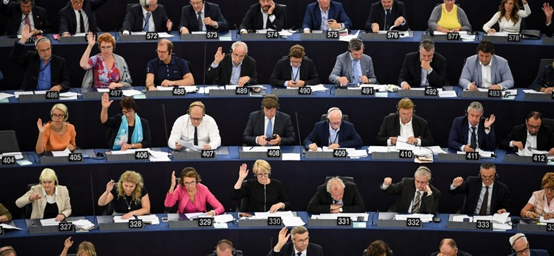 Hétfőn tárgyal arról az Európai Bíróság, hogy a kormány szerint érvénytelen volt a Sargentini-szavazás