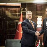Törökjárás Budapesten – türbefelújítással, focival, biznisszel hangoltak az Erdogan-vizitre