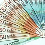 Alkalmazottai fosztották ki a minisztert, aki pofátlan sok eurót tartott otthon