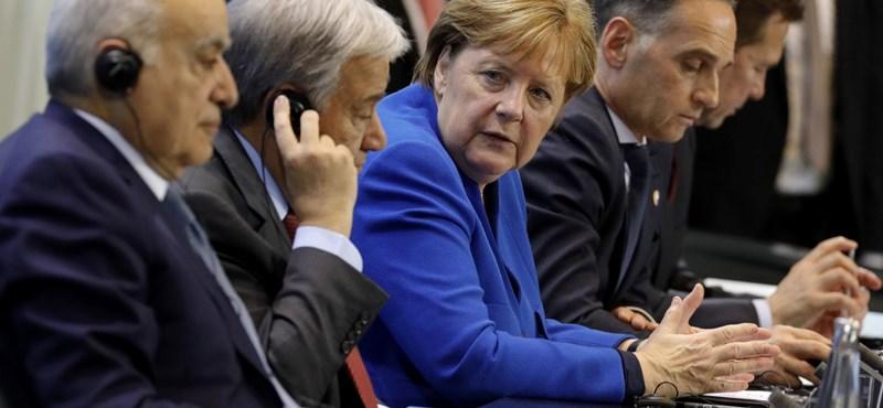 Angela Merkel második koronavírustesztje is negatív lett