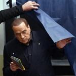 Berlusconi az EP-ben folytatja