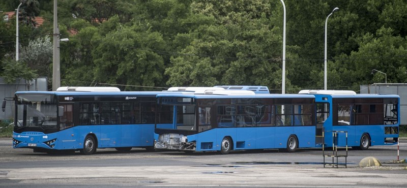 Közpénzmilliárdokkal mentik meg a buszokat gyártani nem nagyon képes buszgyárat