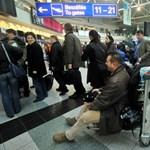 Utasmólóval akadályoznák meg az utasok keveredését Ferihegyen
