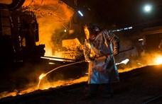 Bepereli a Dunaferrt a dolgozók szakszervezete