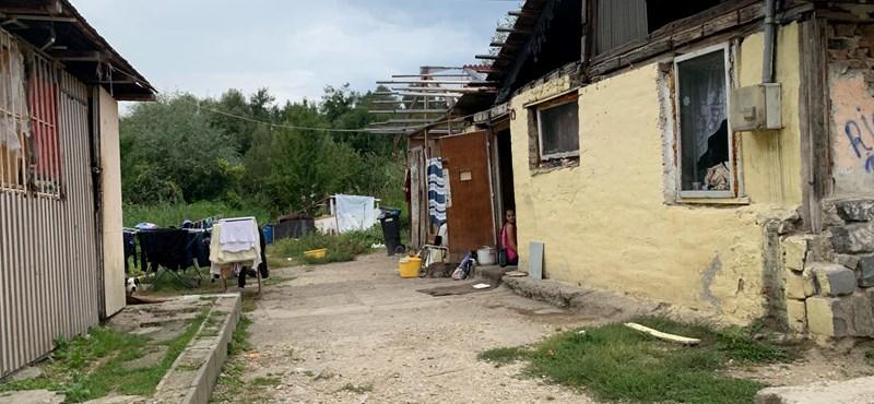 A járvány is súlyosabb lehet a szegény magyar településeken, ahol rendes tüzelőre sem futja