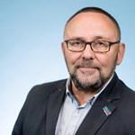 Összevertek egy bevándorlásellenes német politikust