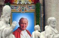 Elloptak egy ereklyetartót, benne II. János Pál pápa vérével