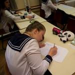Megkezdődtek az írásbeli vizsgák, vannak, akik már ma is érettségiznek
