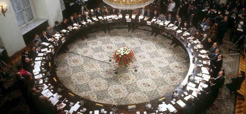 Harminc éve mutatták be a lengyelek a kommunizmus békés megdöntésének receptjét
