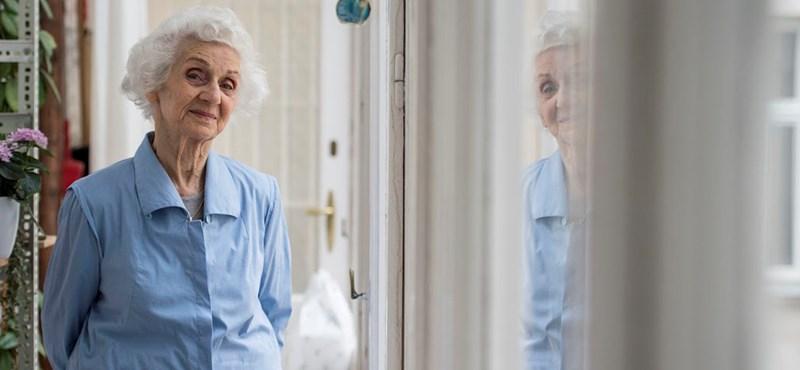 Elhalmozzák jókívánságokkal a ma 94 éves Fahidi Évát