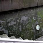 Street art percek: így lesz műalkotás egy mohalepte falból