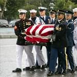 Washingtonban búcsúznak John McCain szenátortól