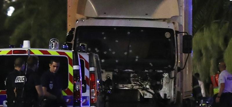 77 halott, terror Nizzában: a Facebook aktiválta a biztonságot ellenőrző funkciót
