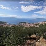 Erdőtüzek miatt turisták százait evakuálták Horvátországban