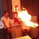 Egy tűzlabdás kísérlet, ami minden magyar kémiaórán elférne