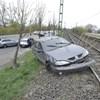Felborult egy autó Csepelen, ami a baleset után a HÉV síneken állt meg