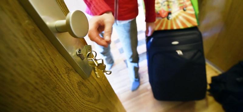 Több tízezren próbálnak meg új albérletet találni, ahogy csökkennek az árak