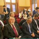 Majdnem 200 ezerrel emelkedett a miniszterek fizetése márciustól