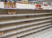 Mindenkit nehéz helyzetbe hoz a mostani bolti roham - még a vevőket is