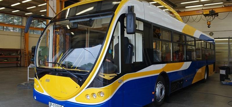 Futurisztikus NABI-buszt teszteltek Miskolcon