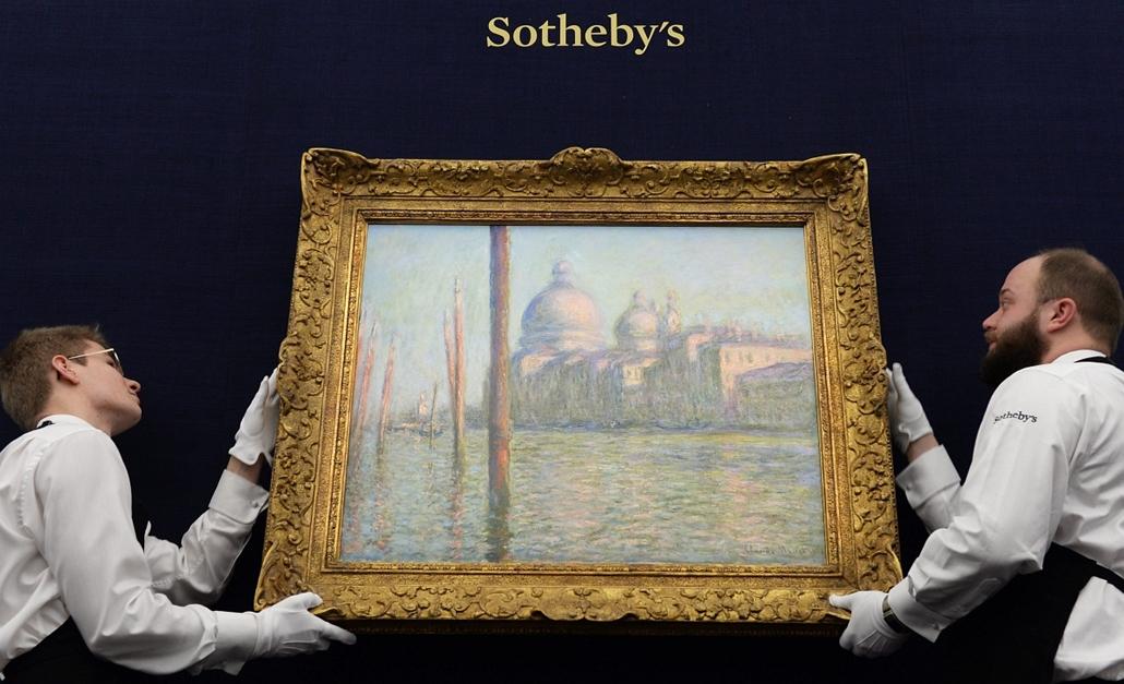 epa.15.01.28. - London, Egyesült Királyság: Claude Monet francia festő ''Le Grand Canal'' című 1908-as alkotását akasztják ki a Sotheby's aukciós ház londoni kiállítótermében . - 7képei