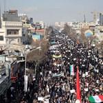 Példátlan támadás ez a legfőbb hatalmat kézben tartó Khamenei ellen