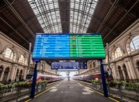 Mostantól magyarul is kiírja a MÁV a határon túli állomásneveket