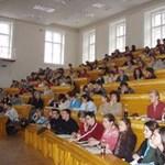 Középiskolások továbbtanulási szándékát mérte fel a NymE