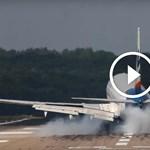Olyan erős szélvihar volt, hogy füstölt a gumi, amikor leszálltak a Boeing-géppel – videó