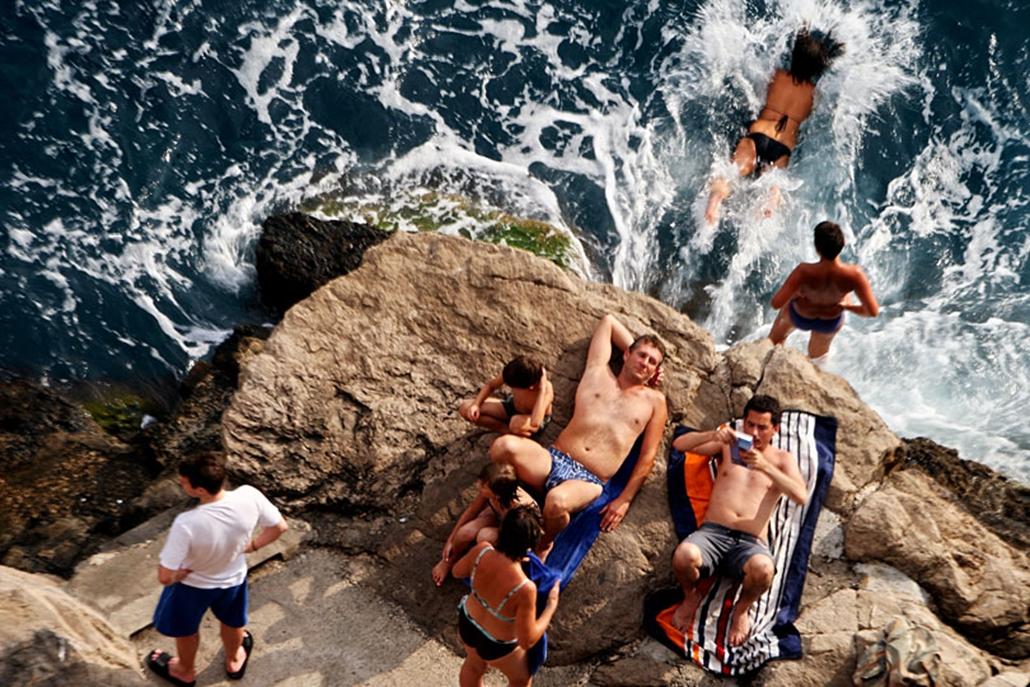 Strandolók a horvát tengerparton. 2008. augusztus.