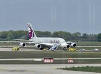 Rosszul lett egy utas a Qatar Airways járatán, a gép Budapesten hajtott végre kényszerleszállást