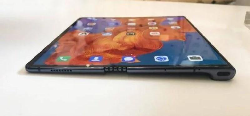 Új összehajtható telefont készít a Huawei, 2020-ban jön a Mate Xs