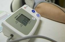 Kutatóorvosok figyelmeztetnek: most, hogy bezárkózunk otthonra, elindul felfele a vérnyomásunk