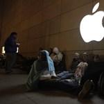 Fotók: Őrület a világ utcáin, mindenki iPhone 5-öst akar