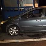 Angliában ellopott francia autóval bukott le egy román sofőr a magyar határon – videó
